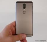 Фото прототипа OnePlus 5 с двойной камерой